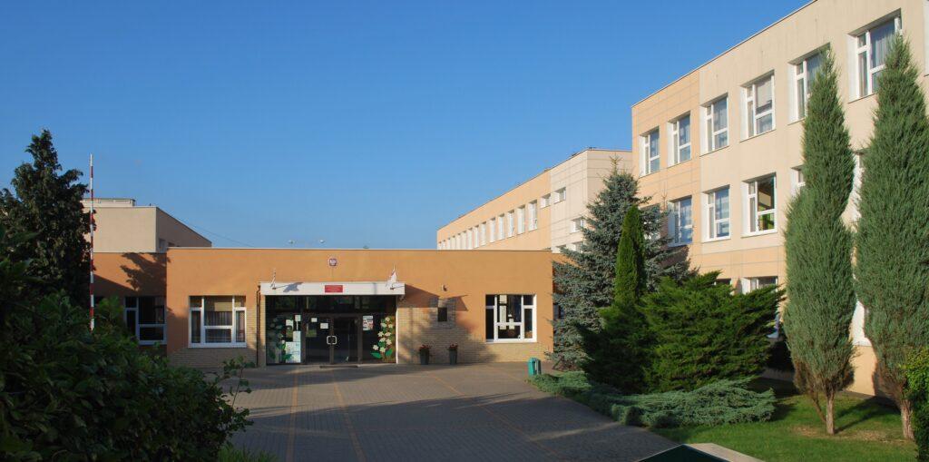 Szkoła Podstawowa im kontradmirała Włodzimierza Steyera w Krokowej
